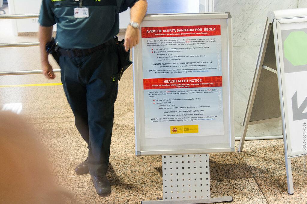 Предупреждение об эболе в аэропорту Барселоны