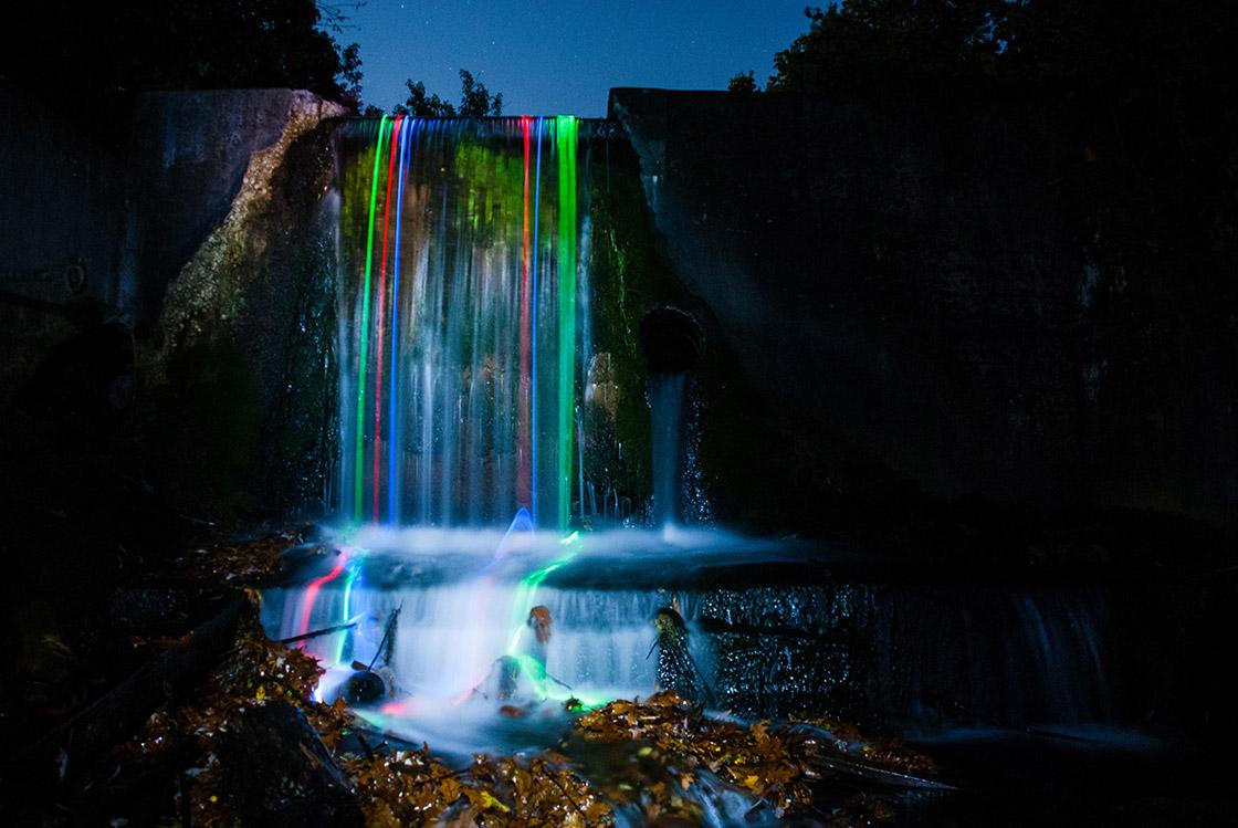 Neonovye-vodopady-9-foto
