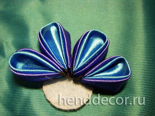 Ободок с цветком из атласных лент