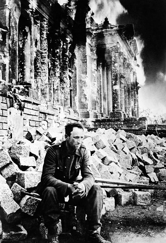 Падение Берлина на фотографиях весны 1945 года (23)
