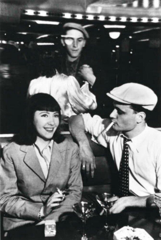 1930-е. В парижском бистро