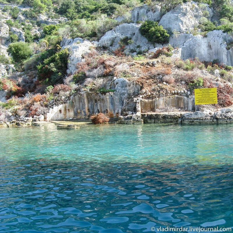 Древняя гавань затонувшего города Долихисте