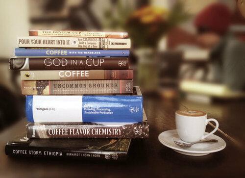 Кава для колежанки vs кофе для коллеги.jpg