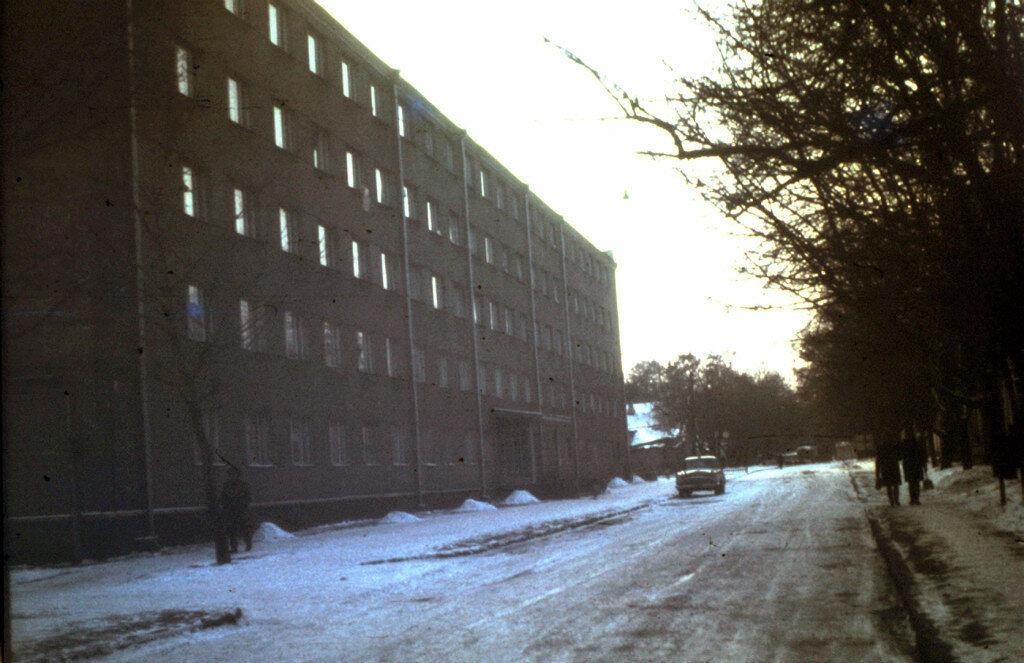 1970 Nashe obqeshitie ul.Matrosova.jpg