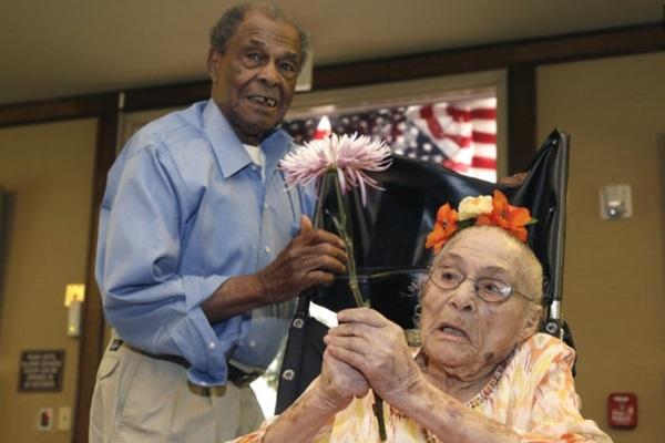 С 1 апреля самой старой женщиной планеты стала 116 летняя Гертруда Уивер 0 126646 eab2870f orig