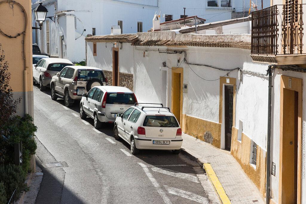 Улица старого города на Ибице