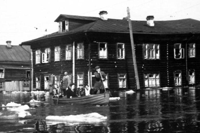Наводнение 27 апреля 1953 года фр.jpg