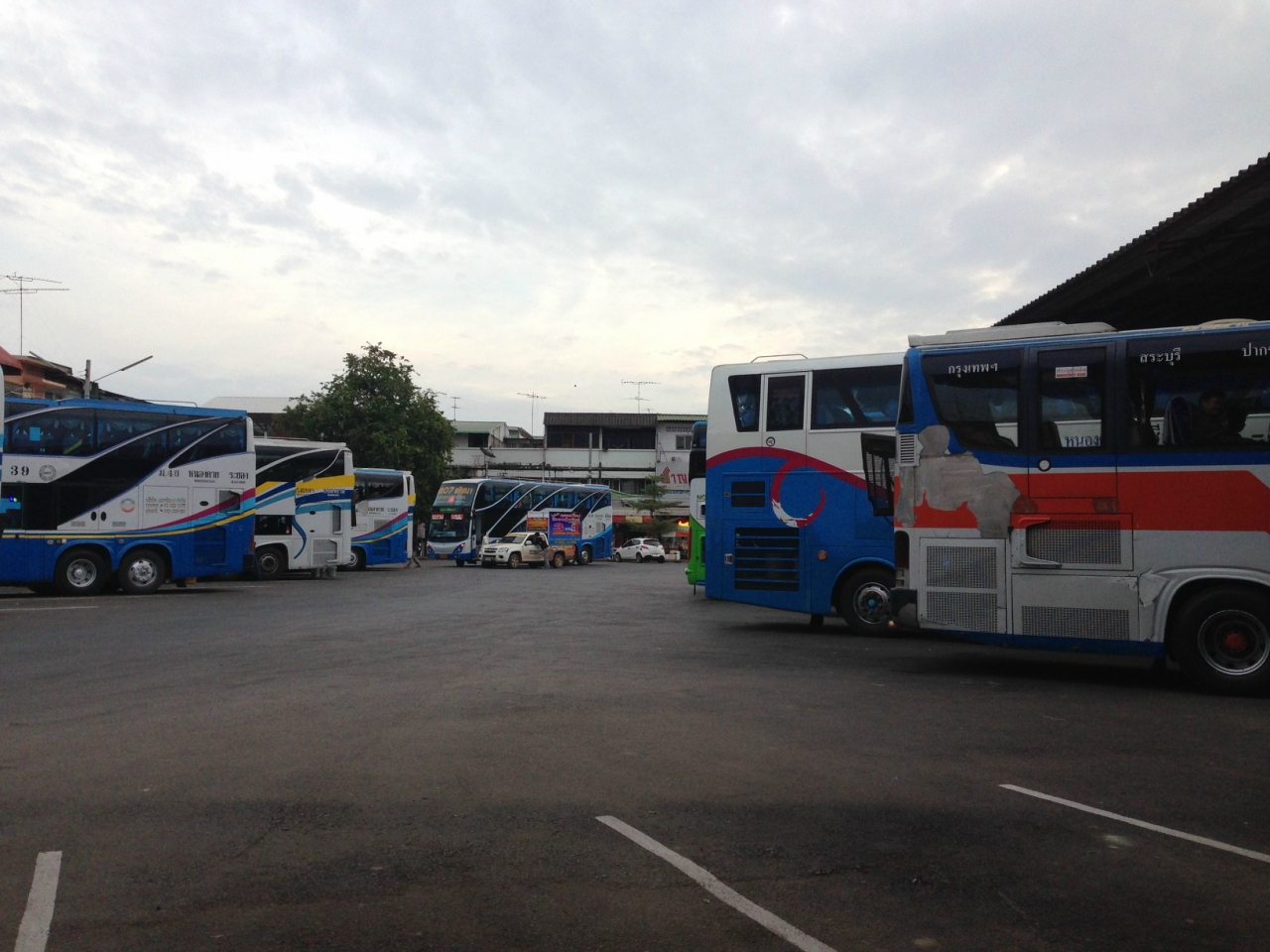 автобусный терминал в Нонг Кхай