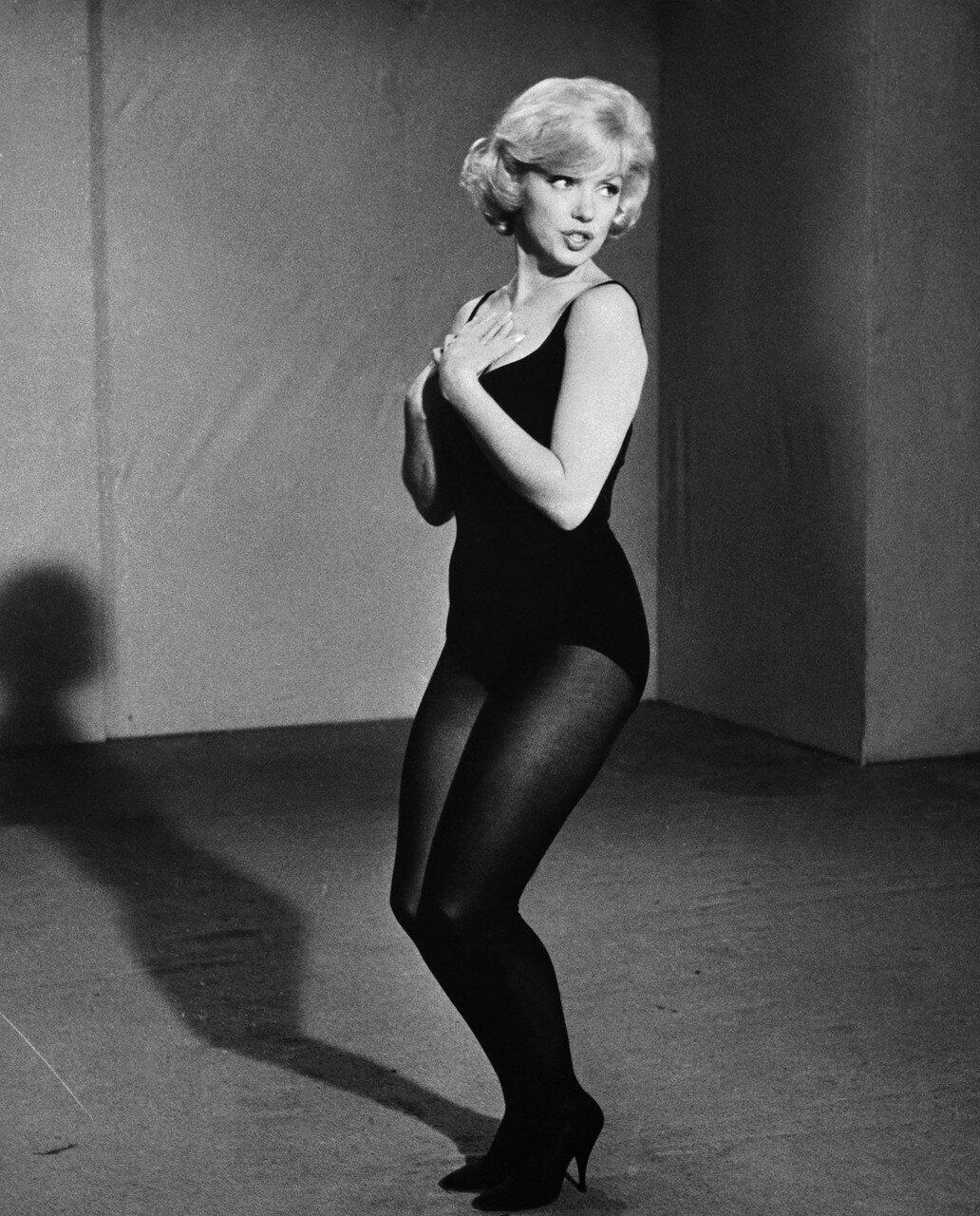 Marilyn Monroe Rehearsing in Leotard