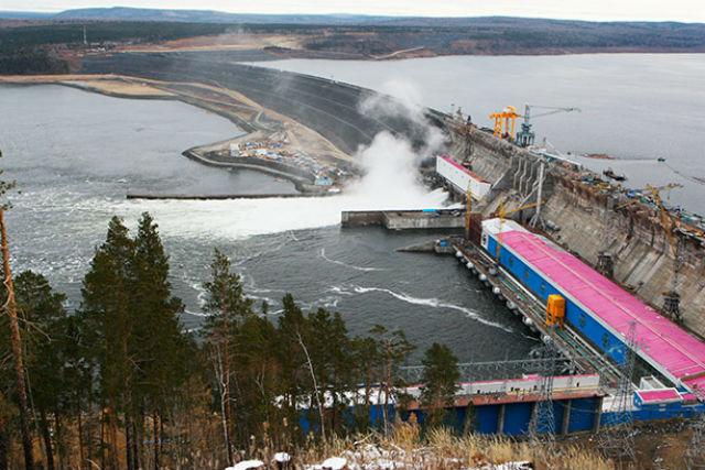 Девятый и последний гидроагрегат Богучанской ГЭС мощностью 333 Мвт введён в промышленную эксплуатацию, сообщили 22 декабря в «РусГидро»