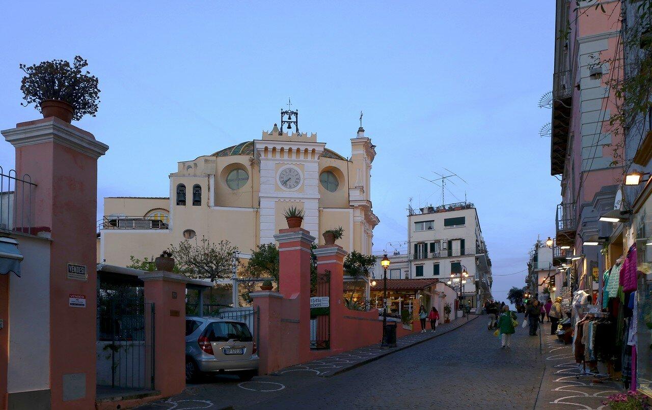 Искья-Порто. Церковь Сан-Пьетро