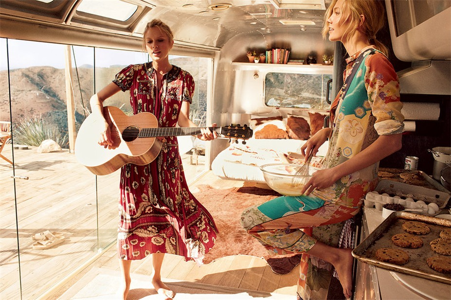 Карли Клосс и Тэйлор Свифт / Taylor Swift and Karlie Kloss by Mikael Jansson in Vogue US march 2015