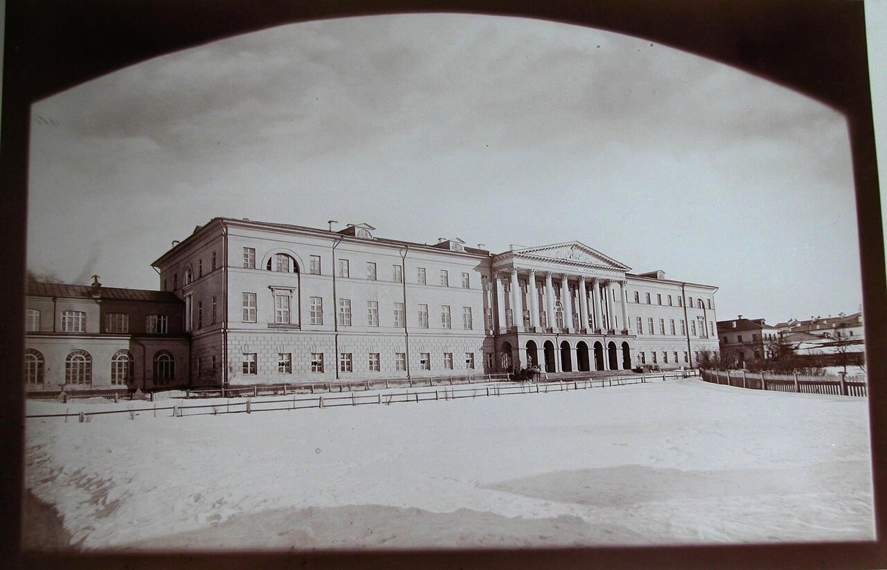04. Общий вид здания Александровского училища