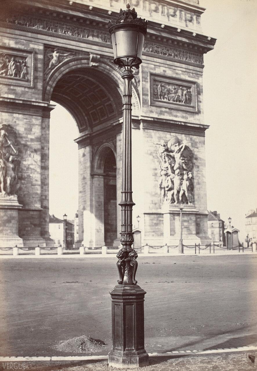 Газовый фонарь возле Триумфальной арки. 1870-е