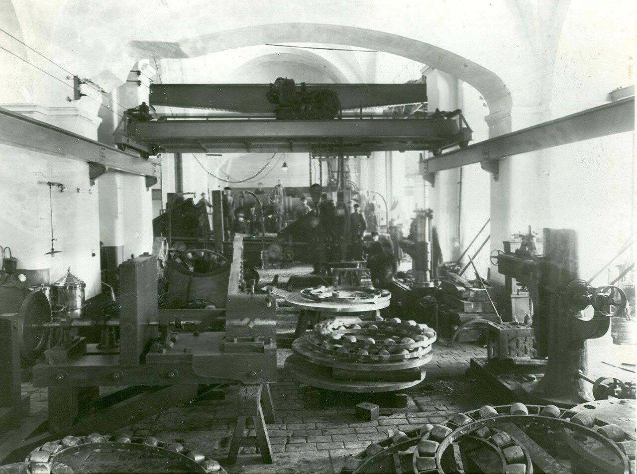 19. Часть помещений мастерских завода Арсенал Петра Великого. 21 апреля 1914