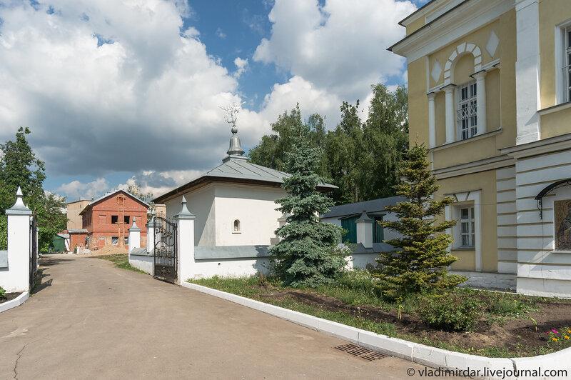 Свято-Екатерининский монастырь. Монастырская постройка.