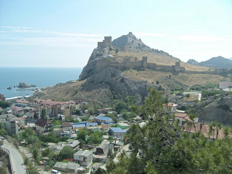генуэзская крепость в городе Судак