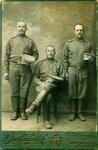 Будущий священник Николай Молодцов (справа).