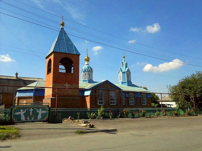 Каменоломни. Церковь Архангела Михаила.
