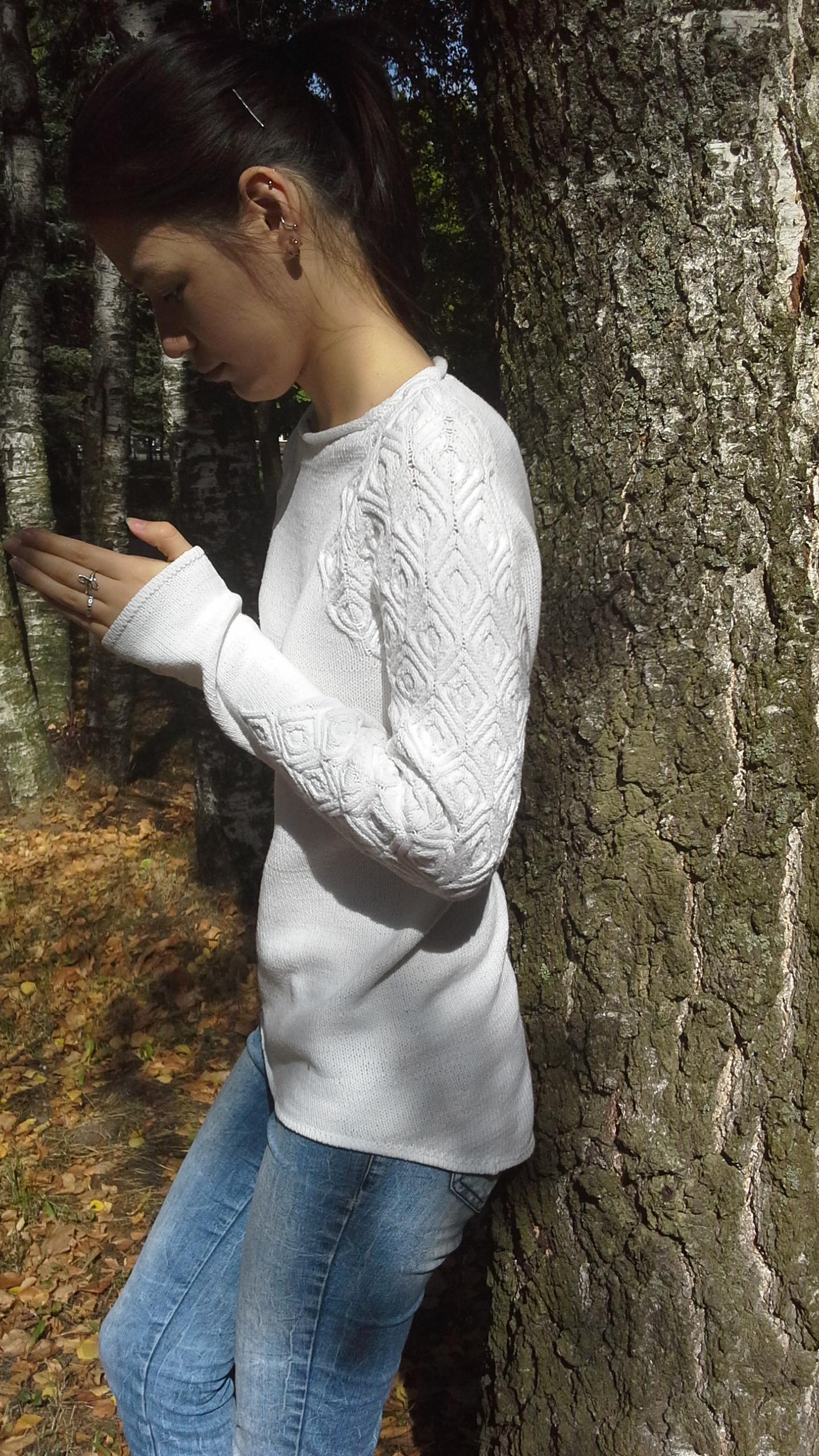 白色插肩套衫 - maomao - 我随心动