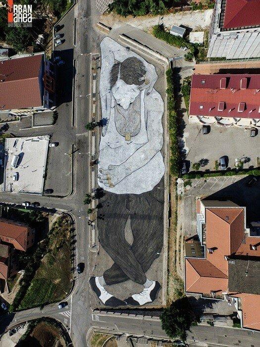 Уличный художник Ella&Pitr.