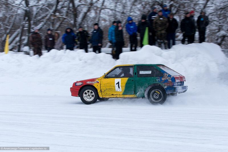Кольцевые автогонки на льду Ледовый трек