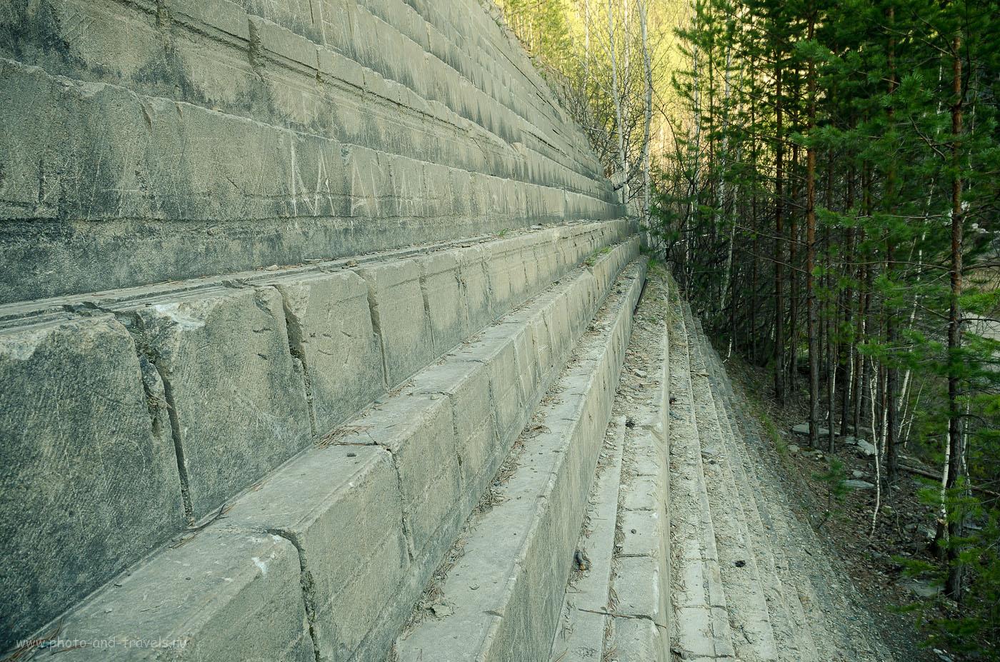 15. Ровные ступеньки на стенах талькового карьера Старая линза