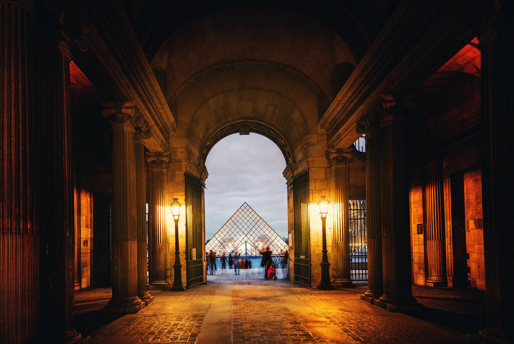 The Louvre-X3.jpg