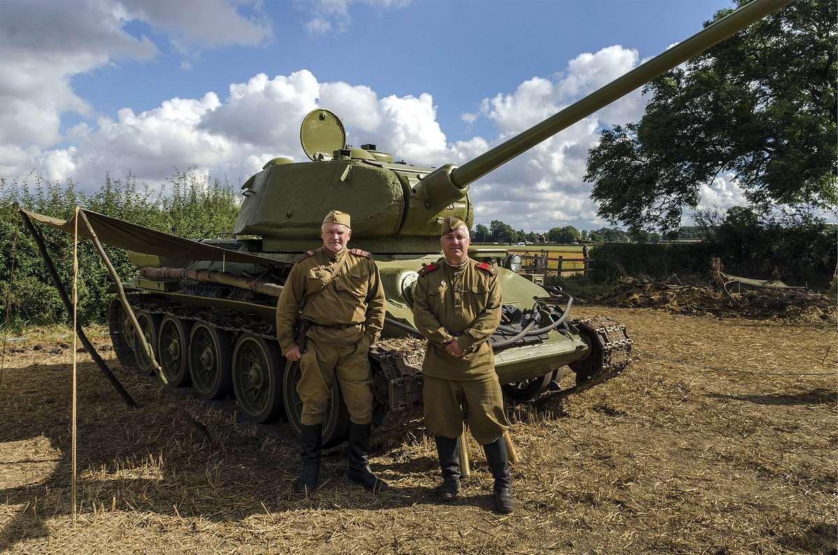 Солдаты Советской Армии в британских реконструкциях сражений 2-й мировой войны (26)