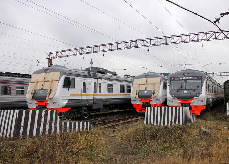 ЭД4М-0470, ЭД4М-0471 и ЭД4М-0466 в депо Нахабино
