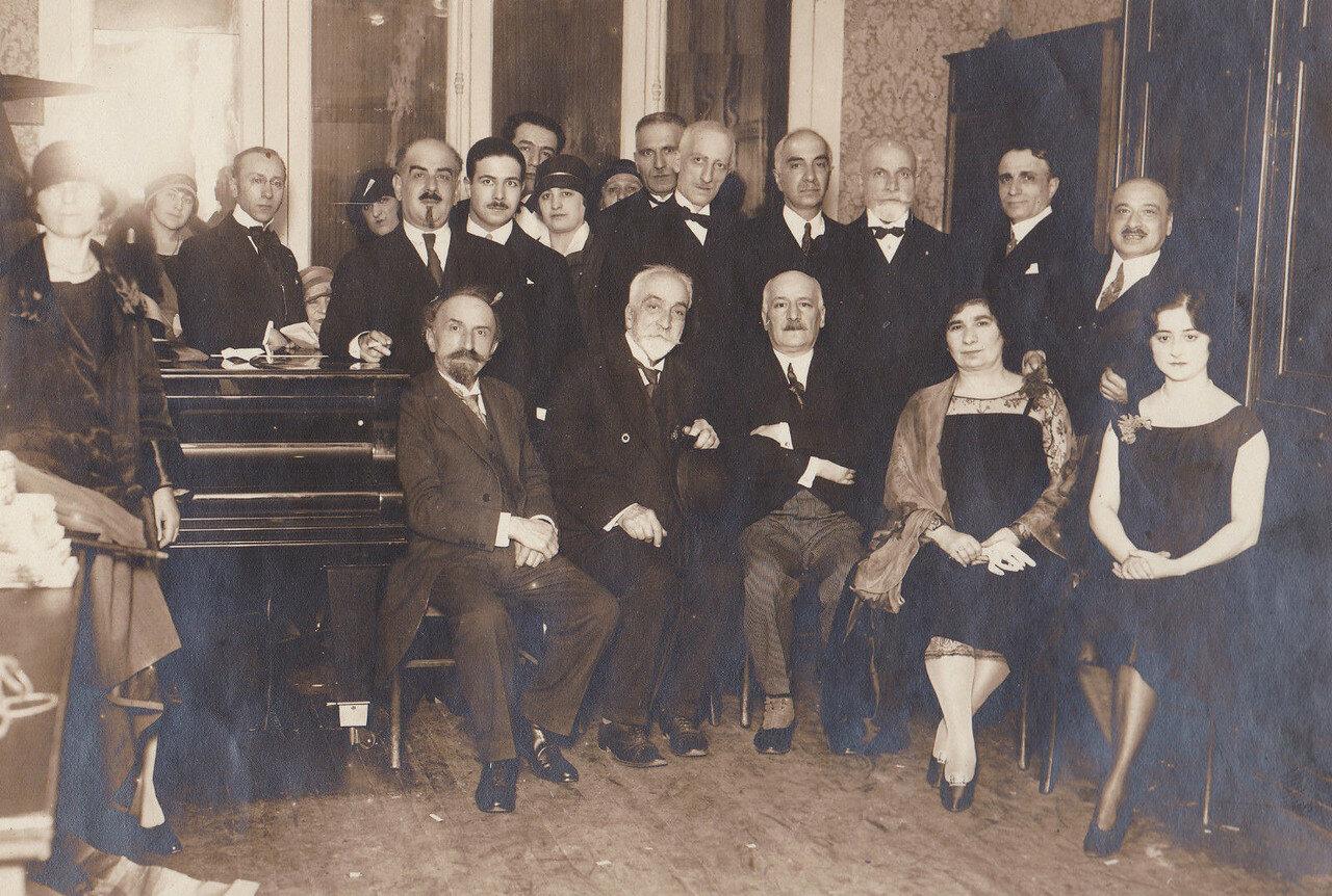 1930. Армянский писатель Аршак Чобанян