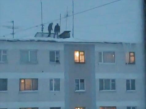Порно прыгнула с крыши