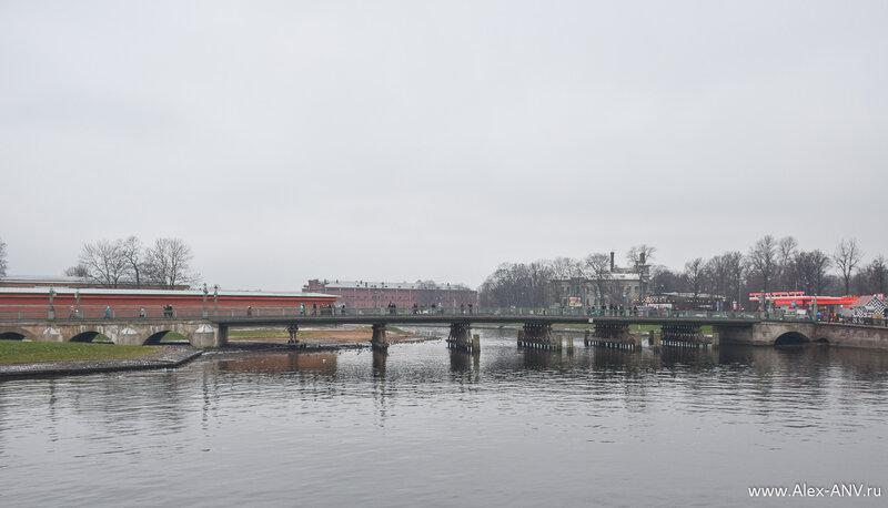 Иоанновский мост на Заячий остров.