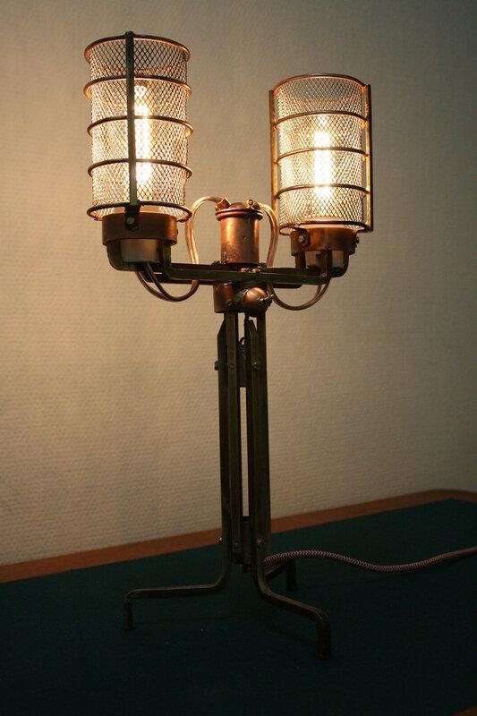 Настольная лампа с утонувшего дирижабля)