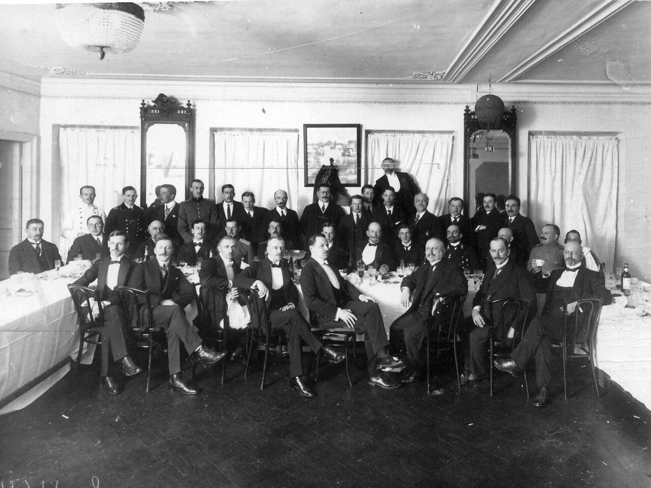 24. Праздник членов аэроклуба по случаю окончания 4-ой авианедели. 1914