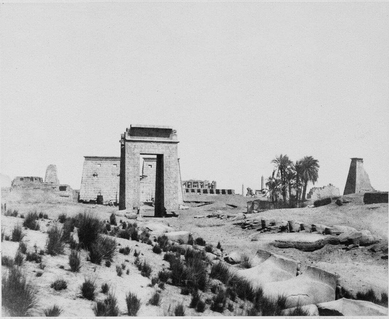 Карнак (Фивы). Общий вид руин. 1858