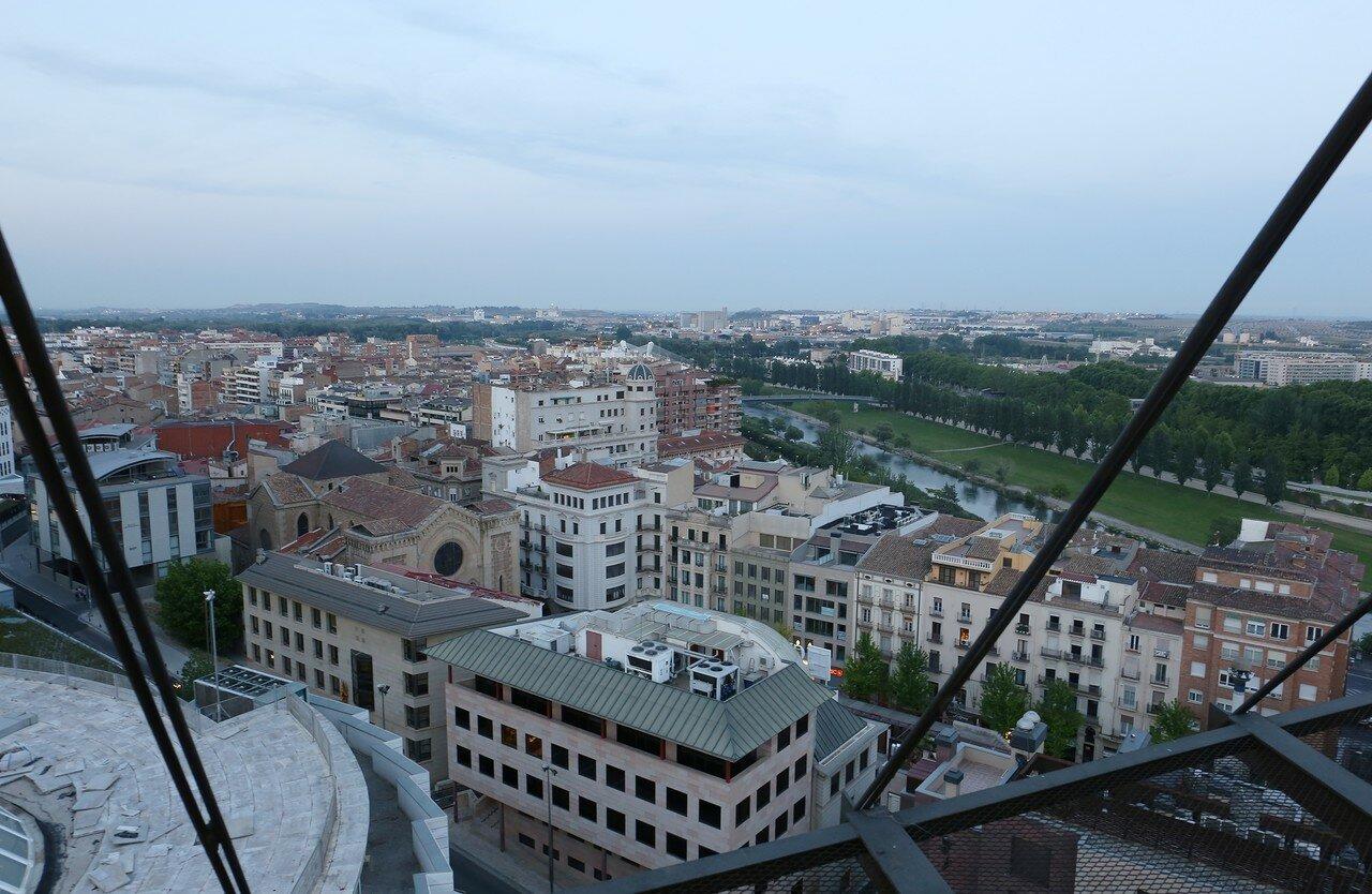 Вечерняя Лерида. Вид на площадь Сан Хуан с верхней площадки лифта Сеу Велья