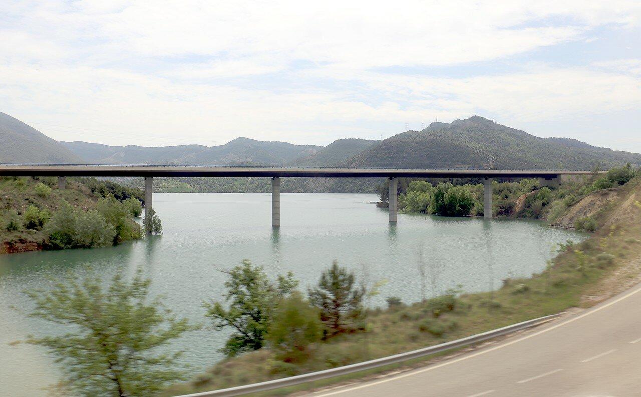 Leida-Pobla de Segur train tip. Serra de Montsec landscapes