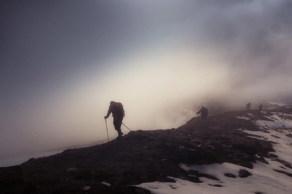 12. Проходя краски гор, краски неба...