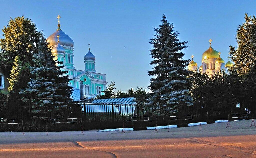 Свято Троицкий собор и Спасо-Преображенский собор.Дивеево