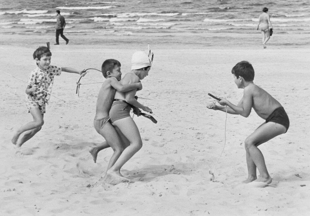 1965. Казаки-разбойники