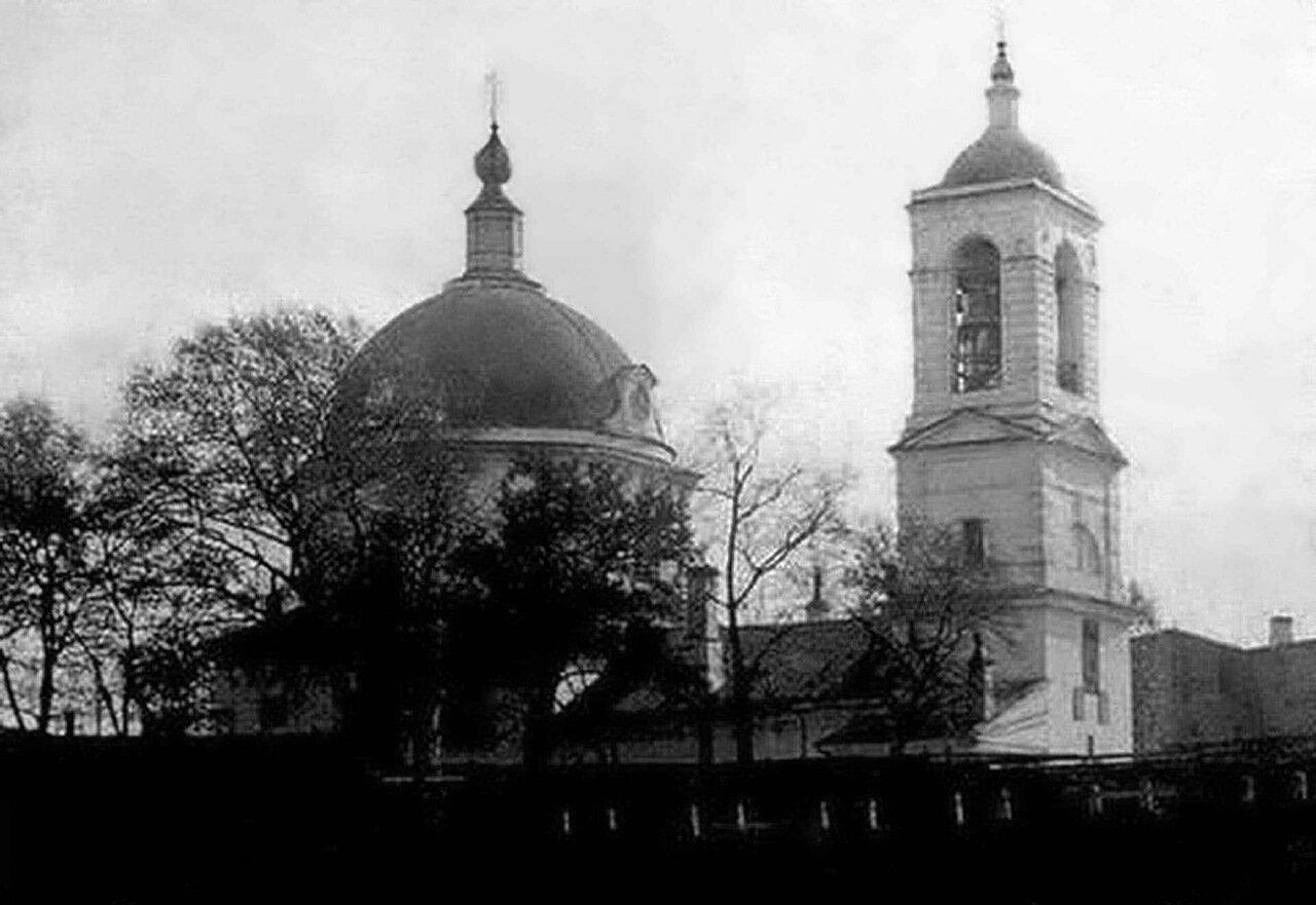 Улица Тихоновская. Тихвинская церковь. (Церковь Николая Чудотворца Верхнепосадкая)