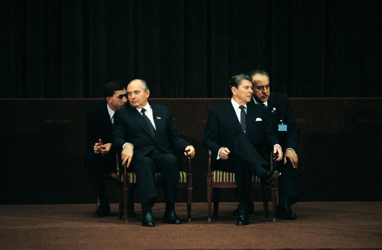 Михаил Горбачёв и Рональд Рейган в Женеве, 19 ноября 1985 год