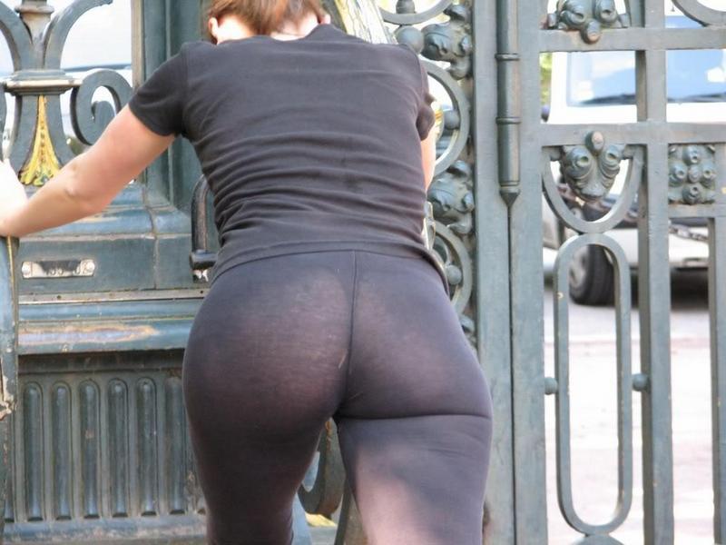 Девушки в прозрачном на улицах фото — photo 2