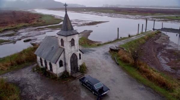 Офис Наоми на Небесах, старая 8 дневная церковь и другой интерьер сериала
