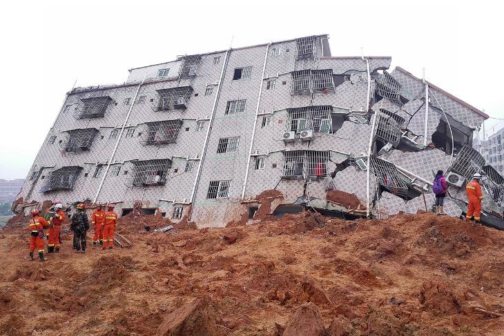 Оползень в Китае (19 фото)