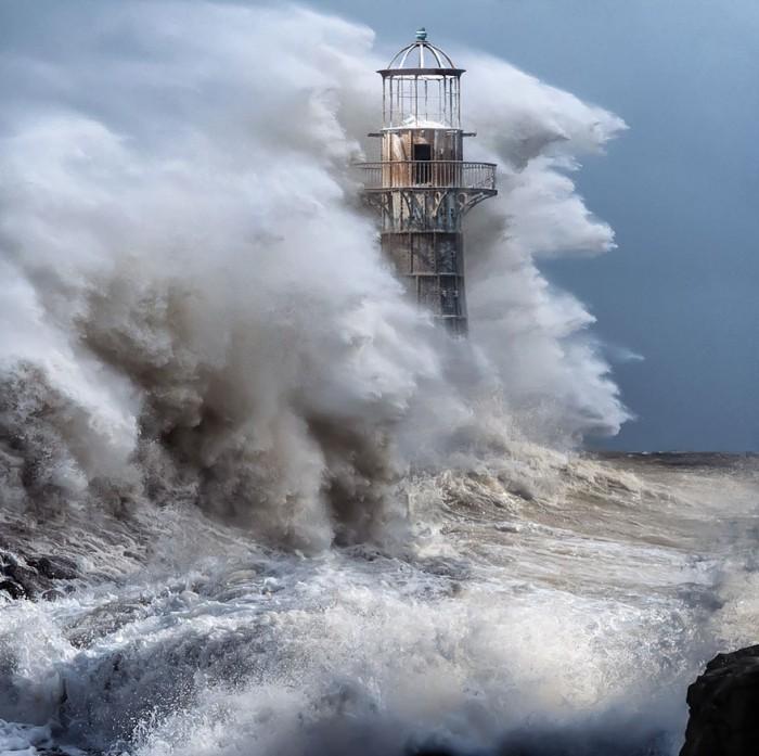 Потрясающие маяки мира, которые выдержали испытания временем (26 фото)