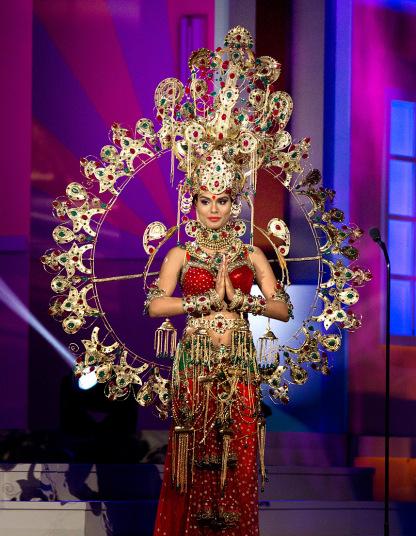 Miss Universe 2015: Национальные костюмы