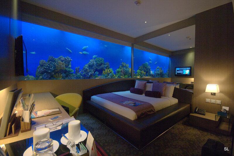 Отель Н2О, Манила