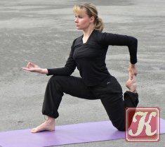 Книга Книга Йога для начинающих для коррекции фигуры